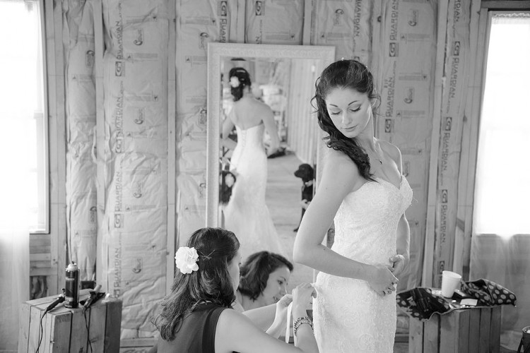 Bride getting ready asheville